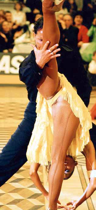 меня похотливые эротика бальные танцы видео люблю пылесосить